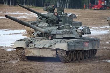 TRUMPETER T-80UE-1 MBT