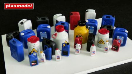 PLUS MODEL Plastic Cans 30pcs.