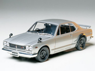 TAMIYA Nissan Skyline 2000...